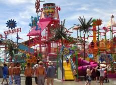 Development history and prospect of water park